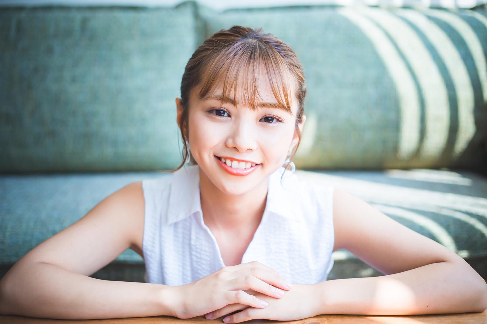 1st写真集「いそちゃん」が発売される磯 佳奈江ちゃんに会ってきた!