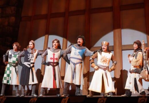 山田孝之主演×福田雄一演出「モンティ・パイソンのSPAMALOT」開幕!<ゲネプロ>