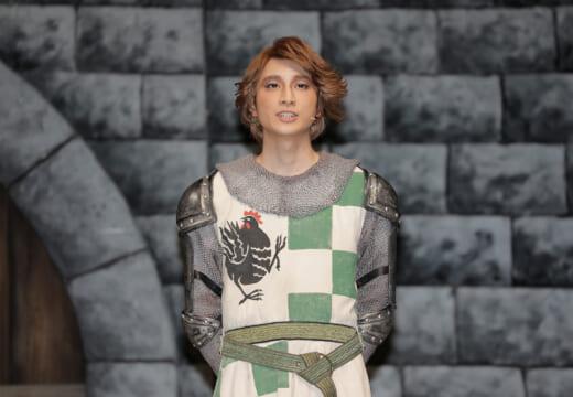 小関裕太、今年初舞台で「大爆笑を取れるように」と意気込み<モンティ・パイソンのSPAMALOT>
