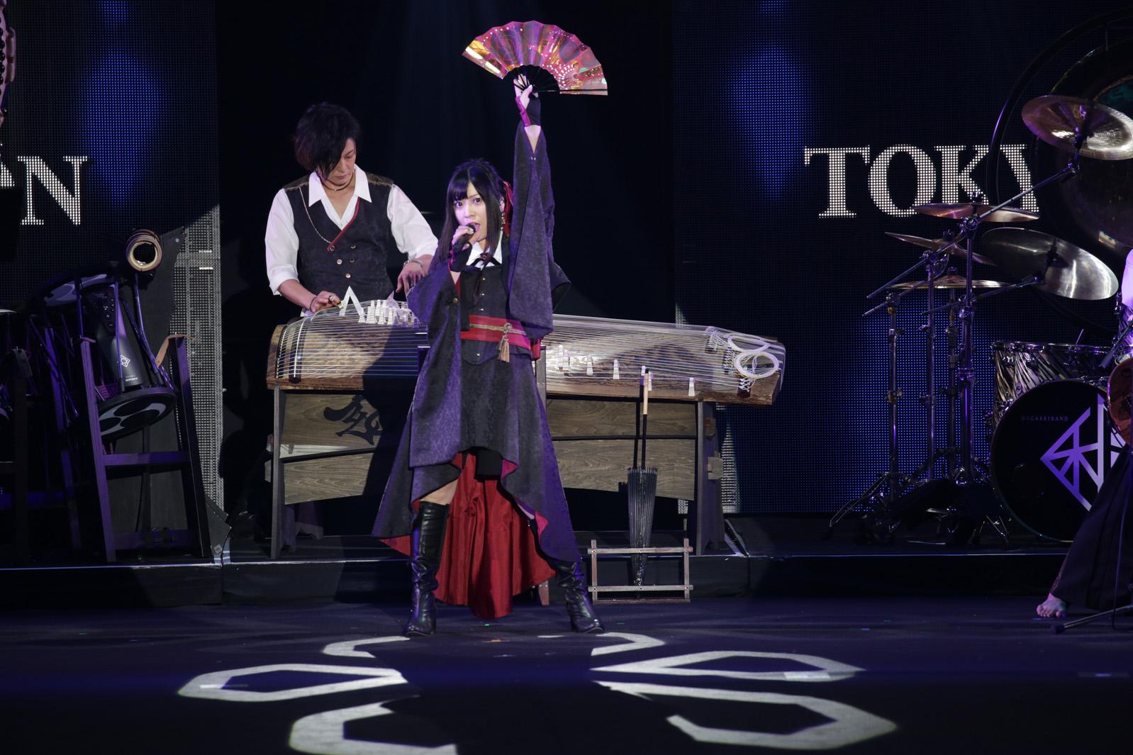 世界が注目!和楽器バンドの「TGC」パフォーマンス!着物姿のラランドとコラボ